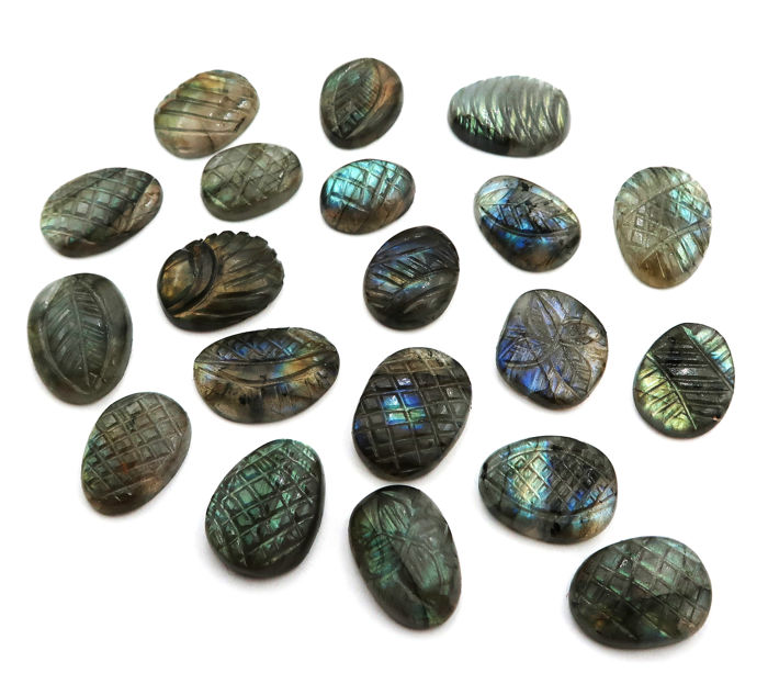 20 pcs  carved Labradorite - 169.50 ct