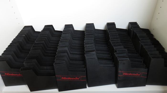 Nintendo Nes - Black dust covers with and without logo (100)