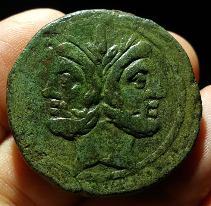 République romaine - Anonymous AE As. Ianus head. Mint in southeast Italy, 208 BC. - bronze
