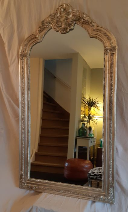 Baroque crested mirror - Wood