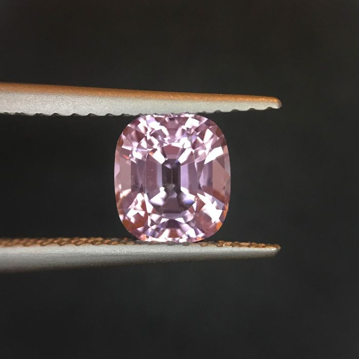 Roze Spinel - 1.58 ct