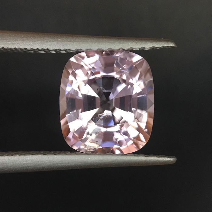 Roze Spinel - 2.75 ct