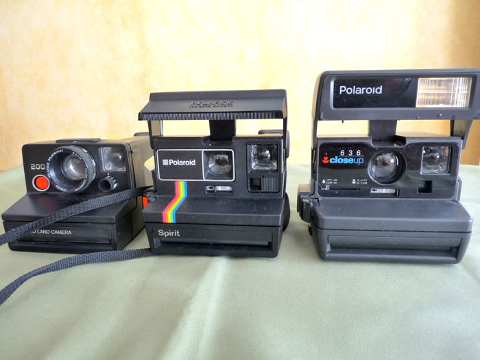 Polaroid lot de 3  = Polaroid 636 close up + Polaroid Spirit  + Polaroid 2000