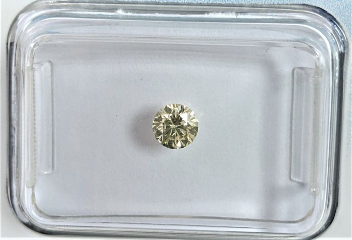 Diamant - 0.23 ct - Brillant - very light brown - I1, IGI Antwerp - No Reseve Price