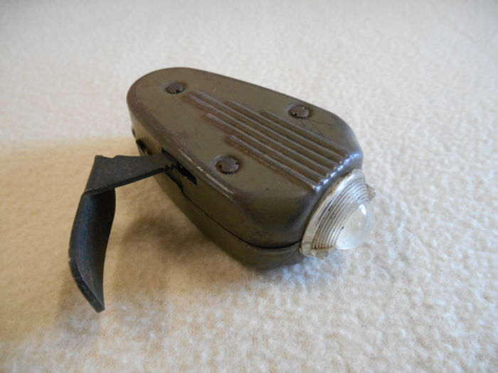 Philips Crib Cat Type 7424 From The Second World War - Army green Metal