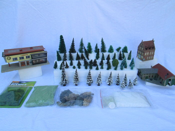 Faller, Hornby, Noch, Pola H0 - Scenery - Lot of 3 Buildings & 60x
