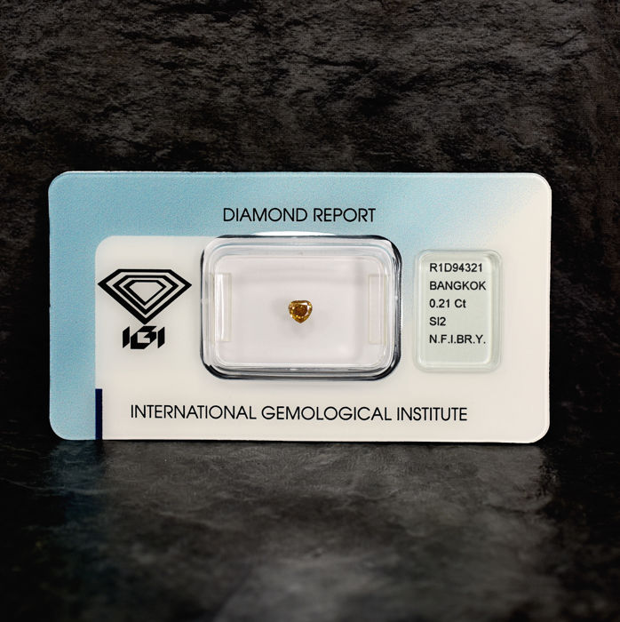 Diamond - 0.21 ct - Pear - Natural Fancy Intense Brownish Yellow - Si2 - NO RESERVE PRICE