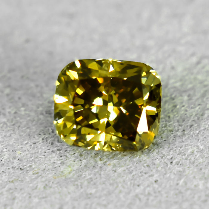 Diamond - 0.51 ct - Cushion - Natural Fancy Deep Yellow - Si1 - NO RESERVE PRICE