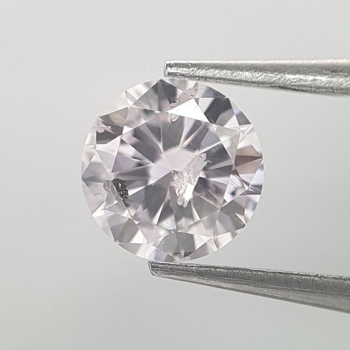Diamant - 0.74 ct - Rond - very light pink - GIA Colored Certified