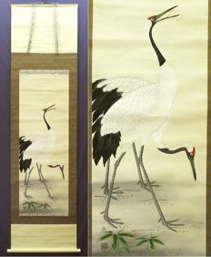 """Hängande skriftrulle - Hand painted scroll signed and seal 'yoshisen' 芳仙 """"Two cranes"""" - Japan - Sent 1900-tal"""