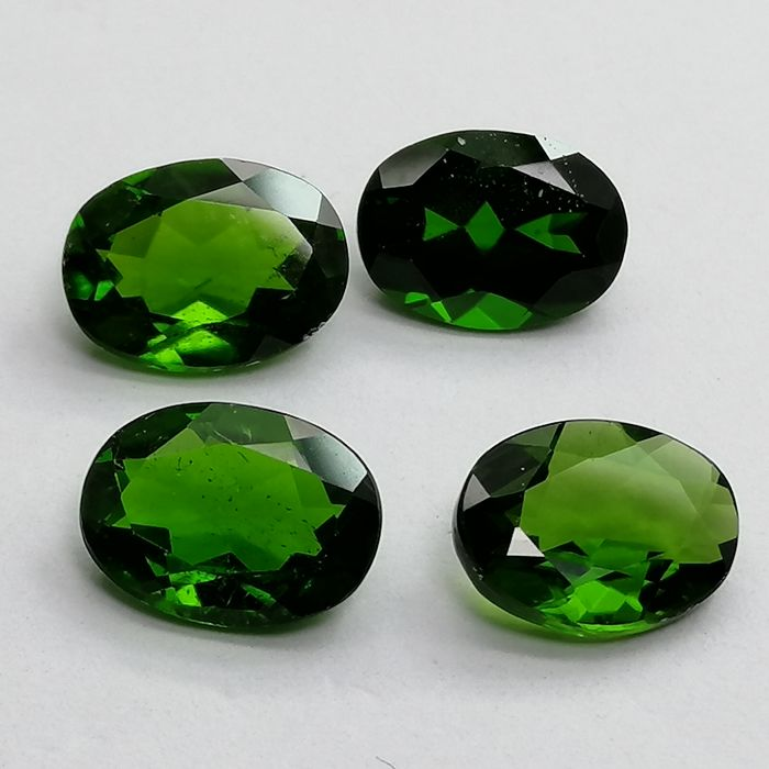 4 pcs  Chromodiopside - 5.20 ct