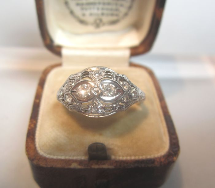 18 karaat Witgoud - Vintage ring in 18kt wit goud. Diamant
