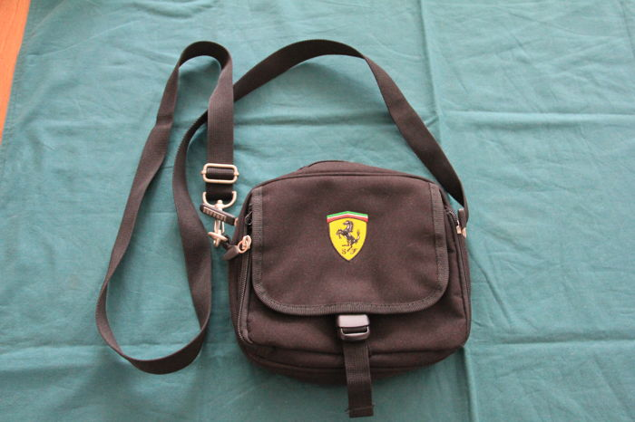 Saco de ferramentas - Scuderia Ferrari Men Crossbody bag Official Licenced Product - 2000-2000 (1 artigos)