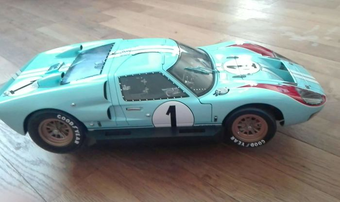 Exoto - 1:10 - Ford GT 40 MK 2