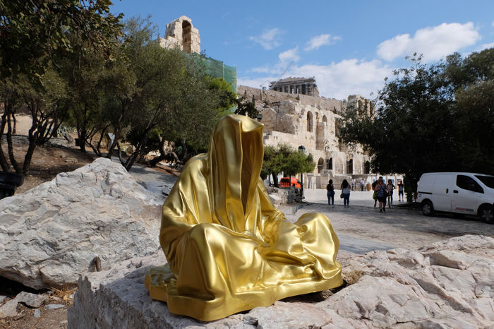 Manfred Kielnhofer - Guardians of Time gold color