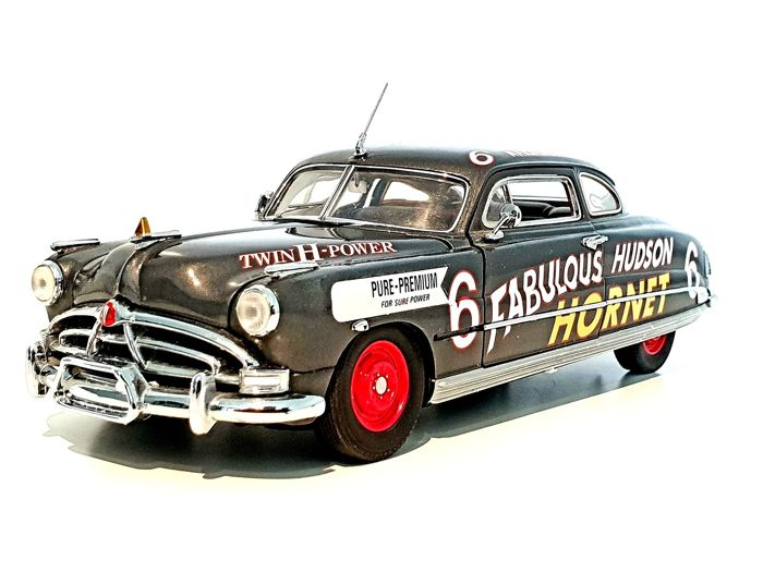 Franklin Mint - Extremely weird Model of The 1951 Hudson Hornet Stock Car