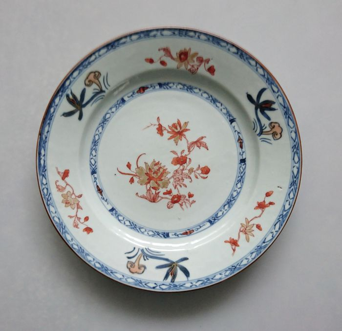 Bord - Porselein - Blue, Red Iron and Gilt - China - 1750