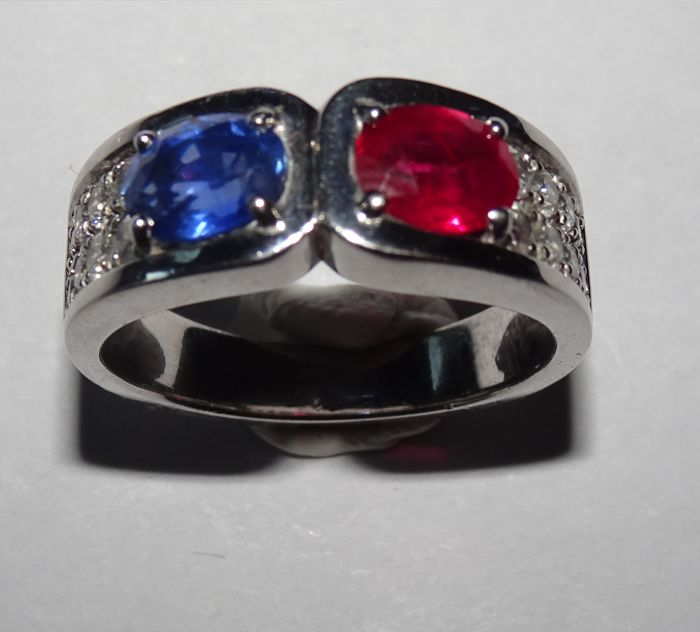 18 kt. White gold - Ring - 0.75 ct Sapphire - Diamonds, Ruby