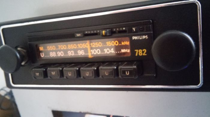 Made in france - Philips 782 vintage car radio - 1970-1980