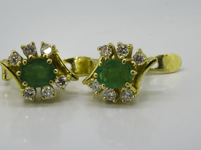 18 kt. Yellow gold - Earrings - 0.36 ct Diamond - Emerald