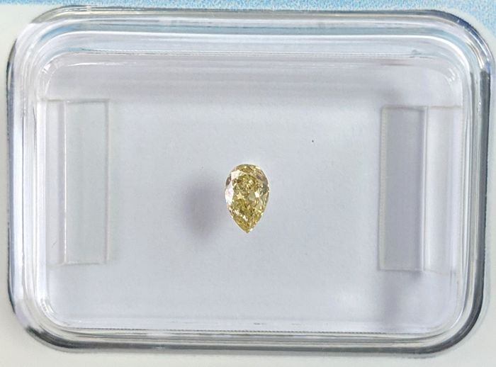 Diamond - 0.13 ct - Pear - fancy deep yellow - IGI Antwerp - No Reseve Price, VVS2