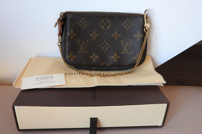 Louis vuitton Mini accessory pouch with box and dust bag - Catawiki bd7947e7b5d0d