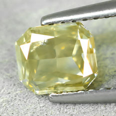 Diamant - 1.03 ct - Radiant - Natural Fancy Light Brownish Yellow - Si2 - NO RESERVE PRICE