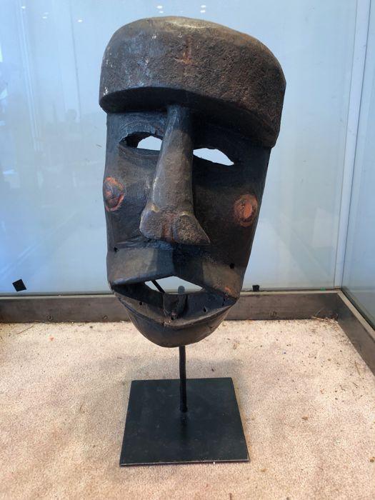 Mask (1) - pigments, Wood - Shoowa-Kuba - Congo