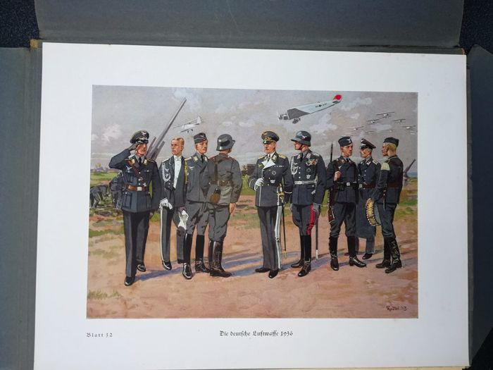Imperial Germany - 32 colored prints uniforms Knötel - Book, The  development of the German army - 1936 - Catawiki