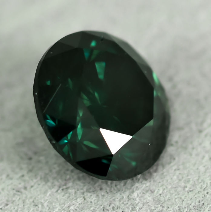 Diamond - 1.40 ct - Brilliant - Fancy Deep Green - SI2