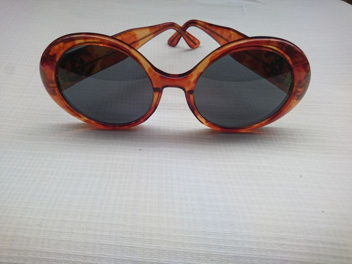 1cddfd88f8ca0 Chanel Sunglasses - Catawiki