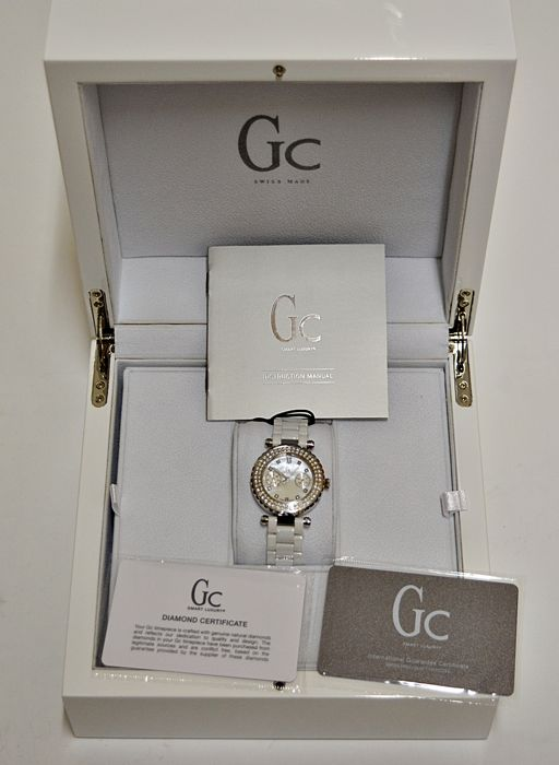 9ee541347 Guess Collection - 'NO RESERVE PRICE' Diamonds Watch GC Diver Chic 97  Diamanten -