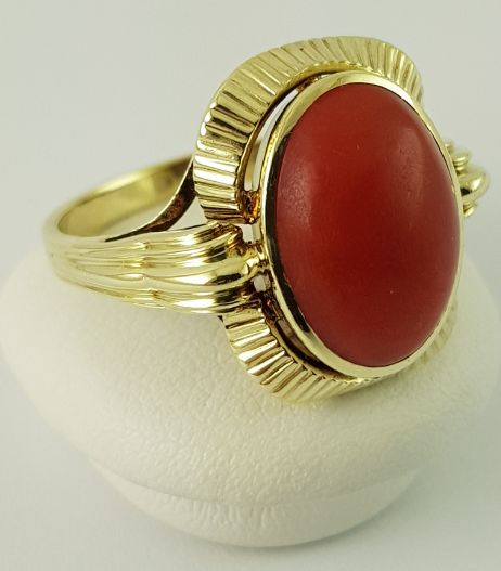 14 kt. Yellow gold - Coral ring - 585 gold - real red coral Coral