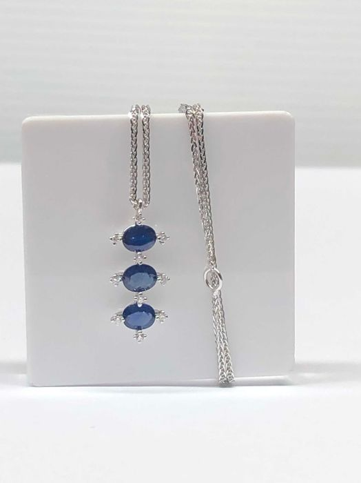 18 kt. White gold - Necklace with pendant - 0.10 ct Diamond - Sapphire