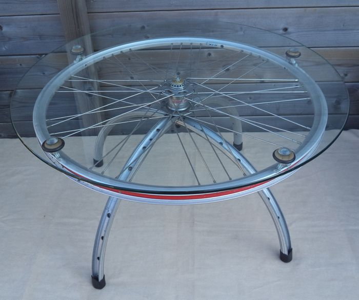 Unique coffee table. of bicycle wheels and glass. (1) - Aluminium, Glass