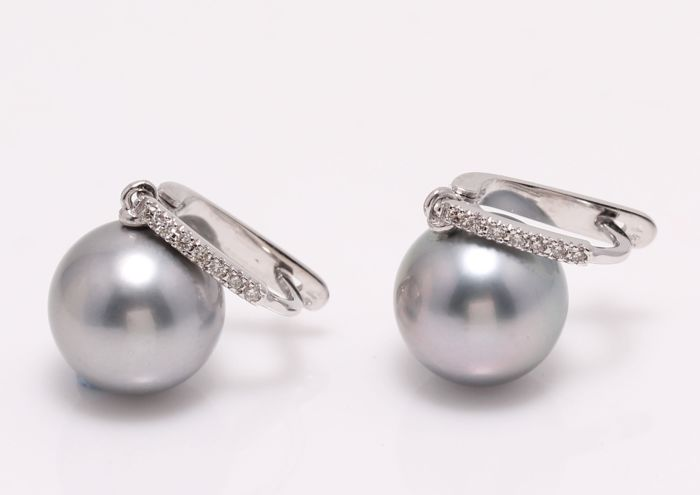 NO RESERVE PRICE - 14 kt. White Gold - 11x12mm Round Tahitian Pearls - Earrings - 0.11 ct