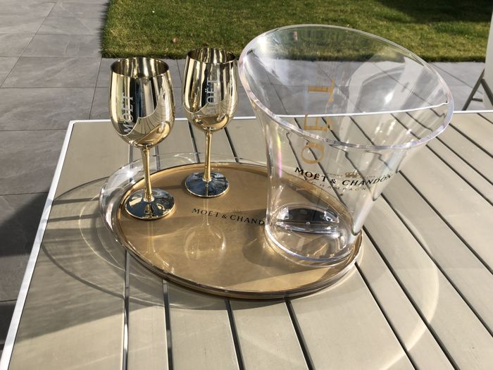 Moët et Chandon Champagne Ice-bucket, serving tray and 2 glasses - Champagne - 4 items in total