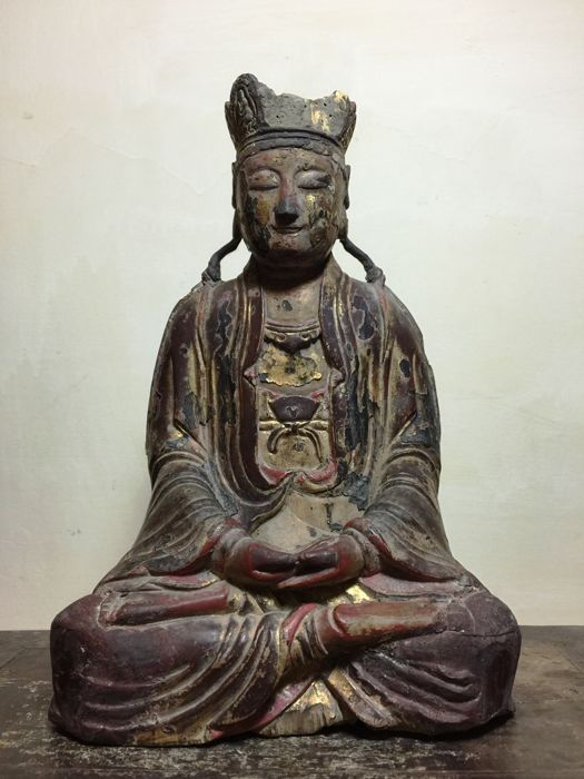 Beeld - Hout - Gilt Red Lacquer Meditating Bodhisattva - China - 17e eeuw