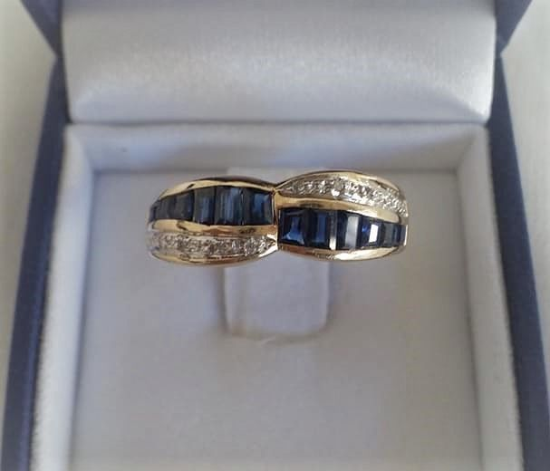 14 kt. Yellow gold - Ring - 0.50 ct Sapphire - Diamonds