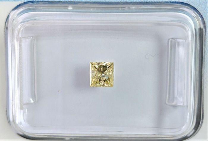 Diamante - 0.25 ct - Princesa - fancy yellow - I2, IGI Antwerp - No Reserve Price