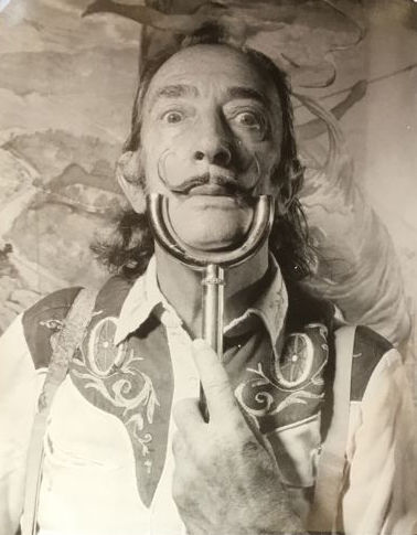 Marc Lacroix (1927-2007) - Salvador Dali, with the shirt of Elvis Presley, 1970