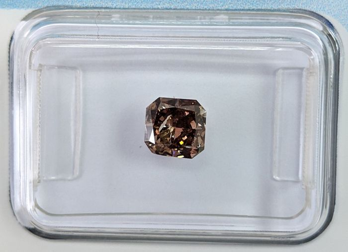 Diamante - 0.73 ct - Quadrado - Fancy Dark Brown Grey - I2, IGI Antwerp - No Reserve Price