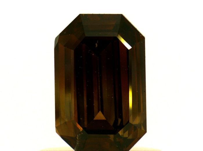 Diamante - 0.76 ct - Esmeralda - fancy dark orangy brown - IGI Antwerp - No Reserve Price, SI2