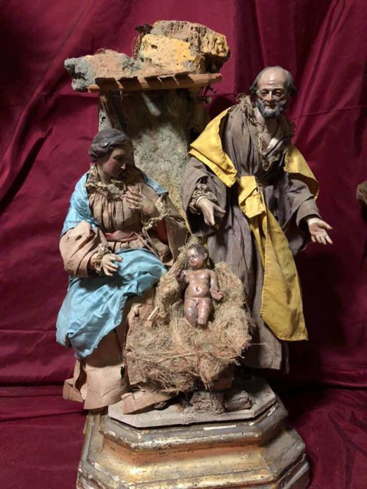 Attributed to the circle of Lorenzo Mosca - Sculpture group of the Nativity - Terracotta, Textiles, Wood - First half 19th century