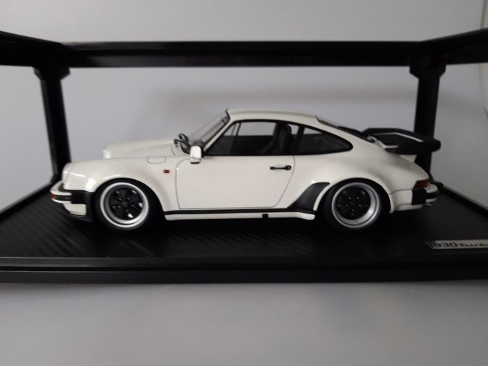 Ignition Model , 118 , Porsche 911 (930) Turbo , Wit , Very high quality  and finish level! , Catawiki