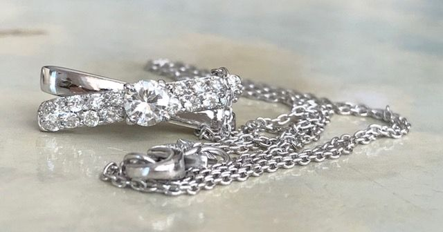 18 kt. White gold - Necklace with pendant - 0.48 ct Diamond