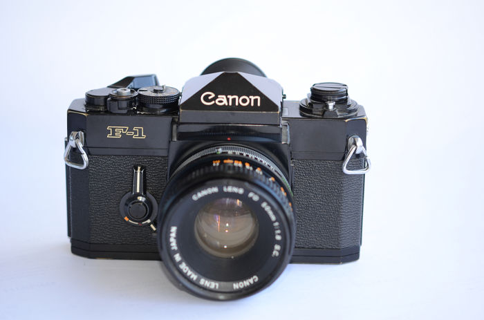 Canon  F1 with 50mm 1:1,8 lens