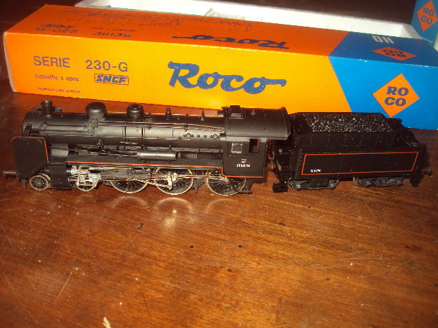 Roco H0 - 04125A - Steam locomotive with tender - 230 G 114 - SNCF