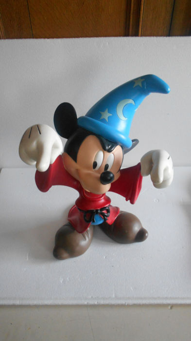 Disney - statue - sorcerer's apprentice - Mickey Mouse