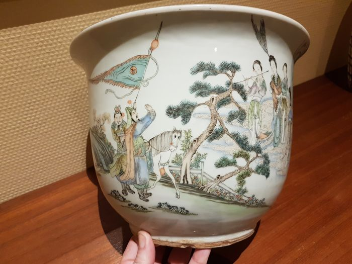 Planter (1) - 瓷 - With a scene of warriors and ladies - 中国 - 19世纪